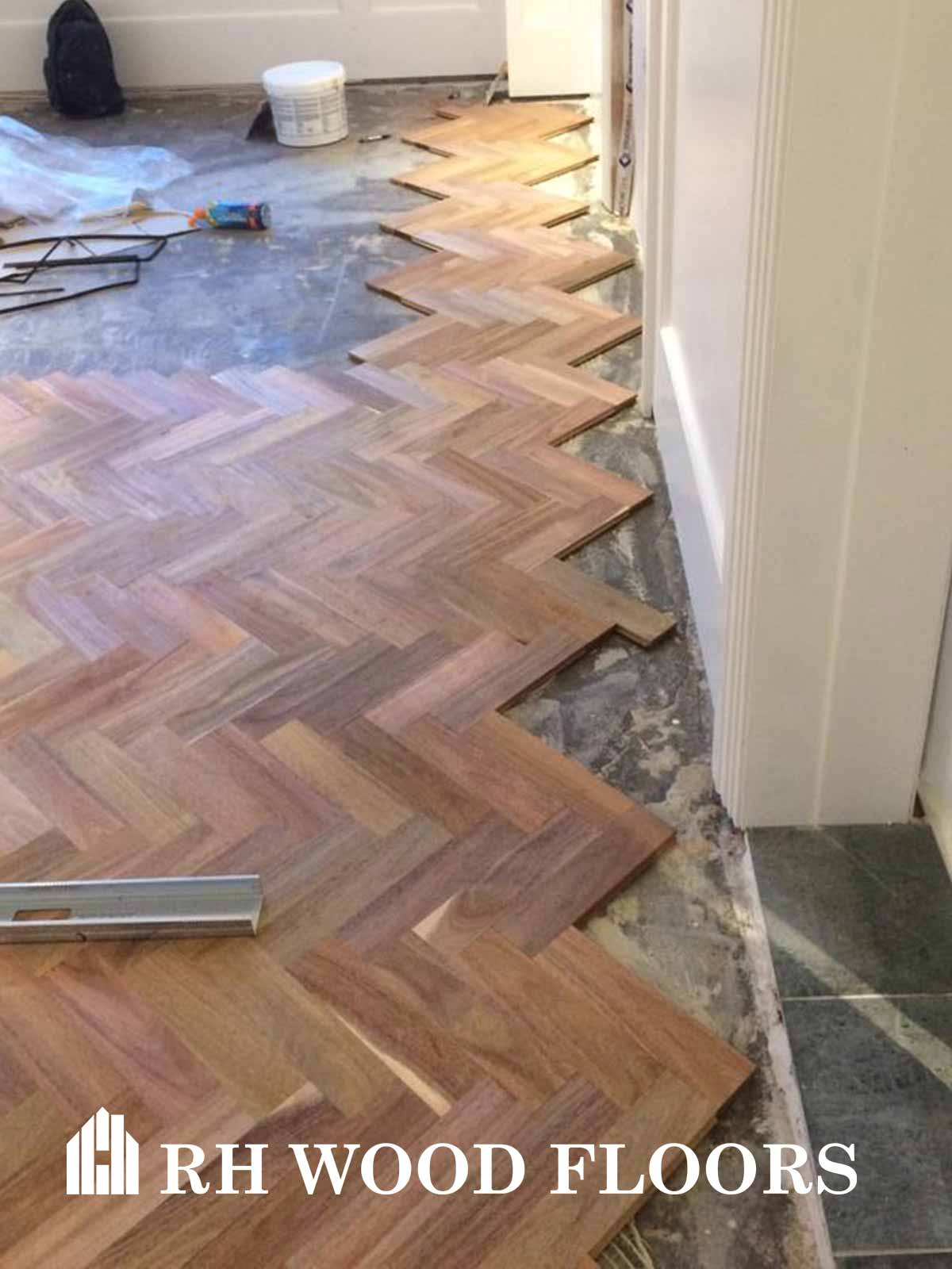 Dylan hotel parquet install Libiary